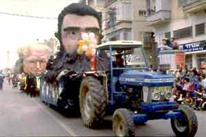 בובות במצעד עדליידע